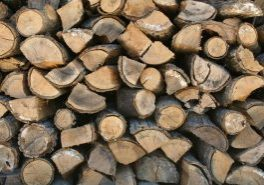 Stack_of_firewood